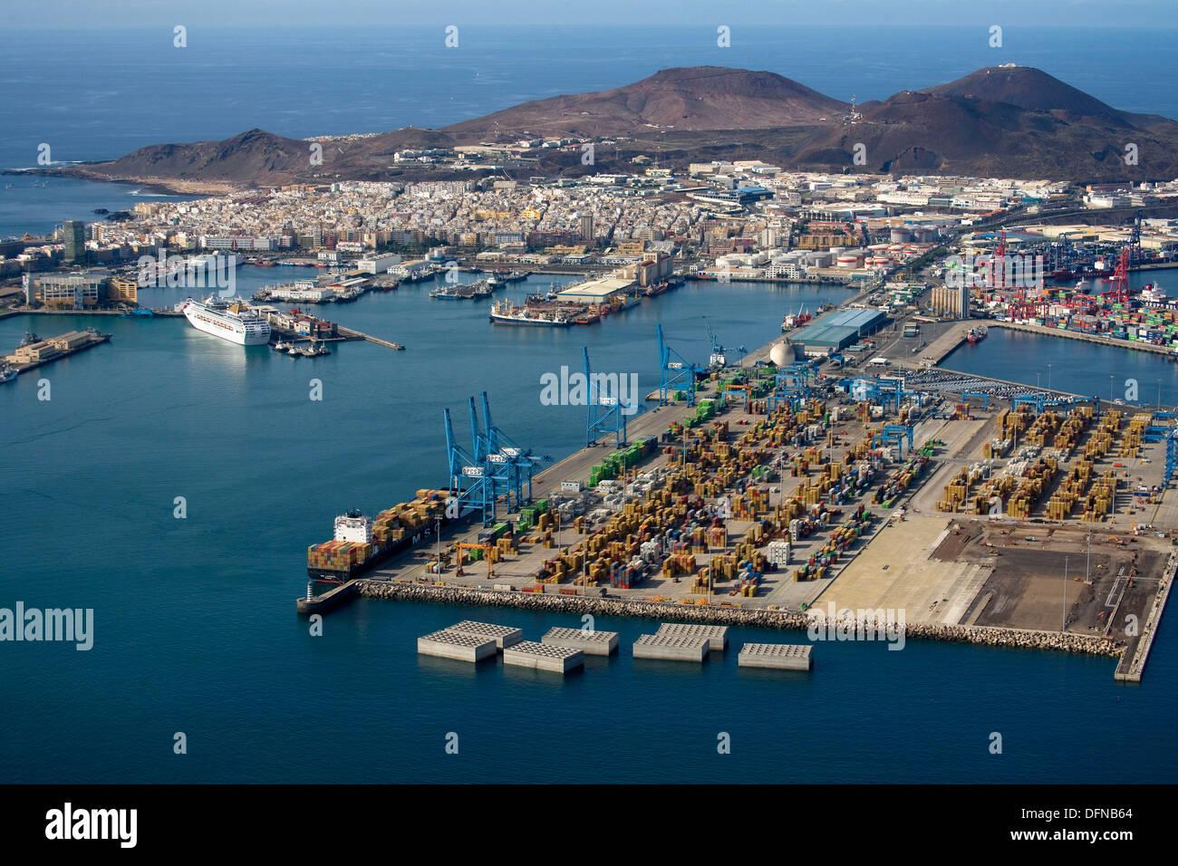 Puerto de la luz harbour las palmas de gran canaria gran canaria stock photo royalty free - Port of las palmas gran canaria ...