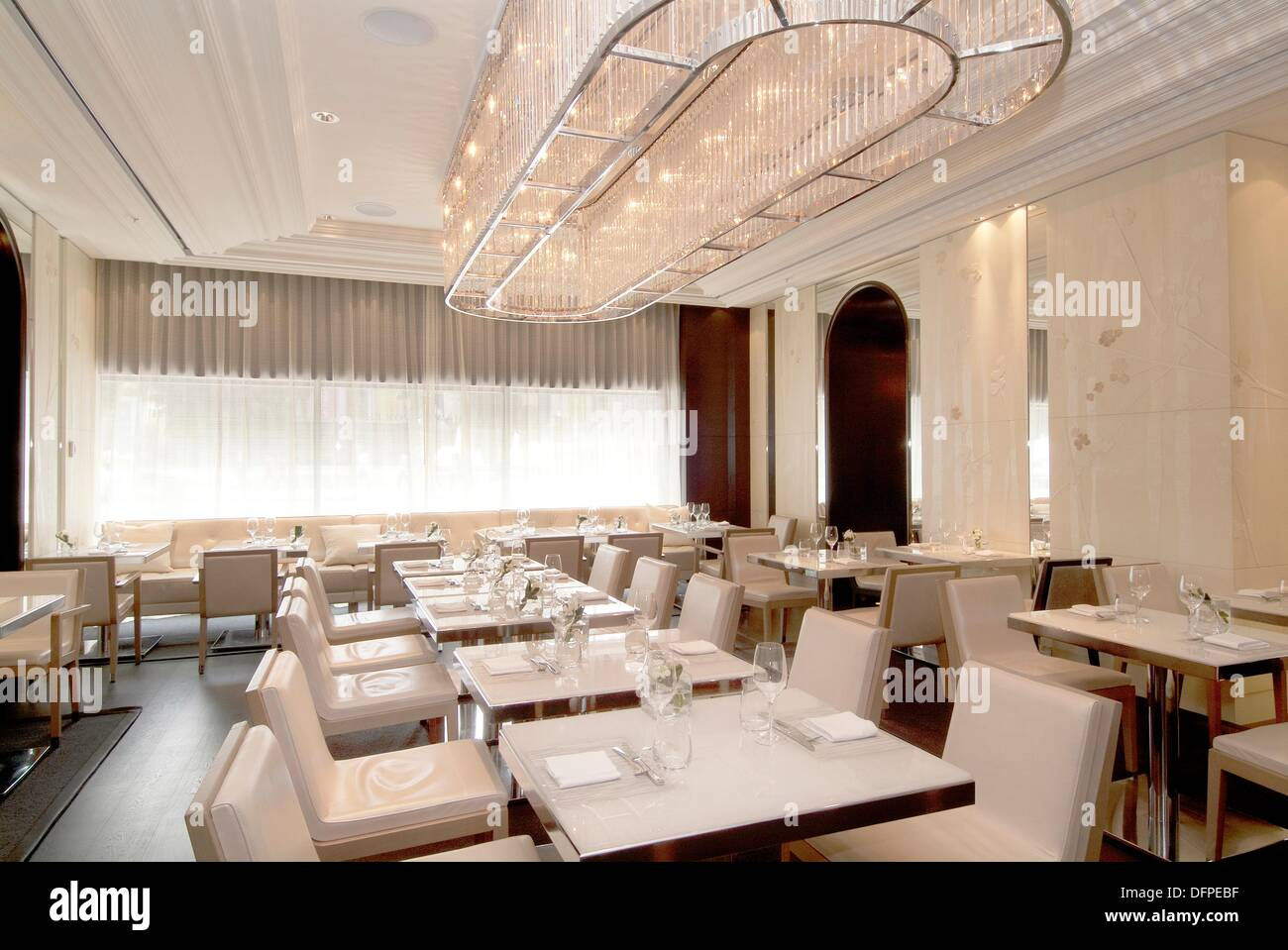 Stock Photo   Dining Room In The Hawksworth Restaurant In The Rosewood  Hotel Georgia, Vancouver, BC, Canada Part 52