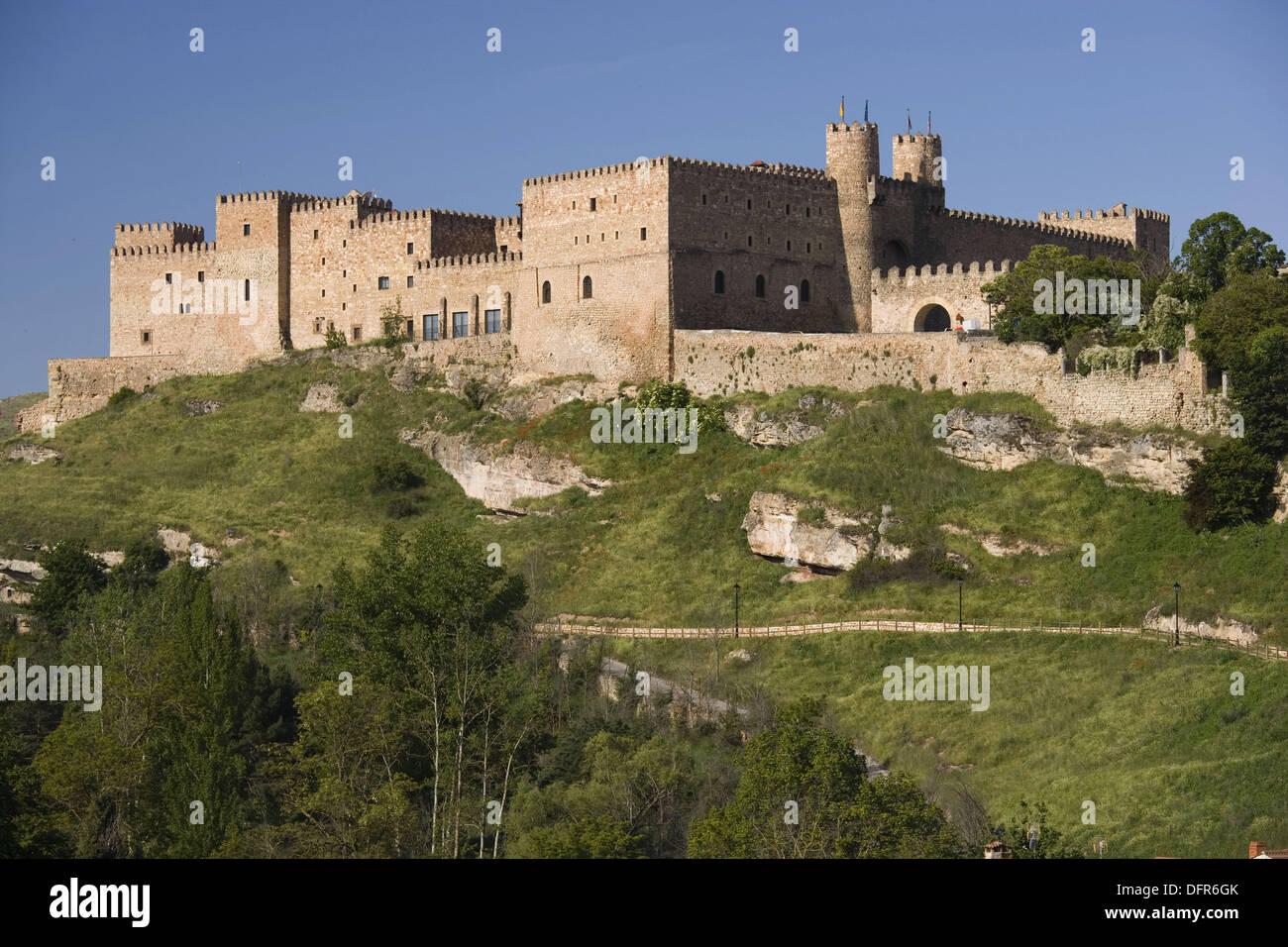 castillo de los obispos actual parador de turismo