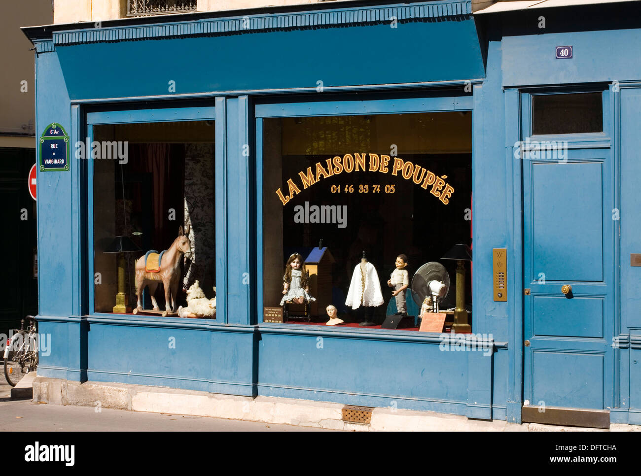 La maison de poup e antique dolls shop rue vaugirard for Au maison online shop