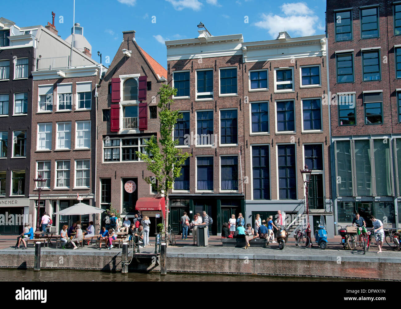The Anne Frank House Prinsengracht 263 265 canal in