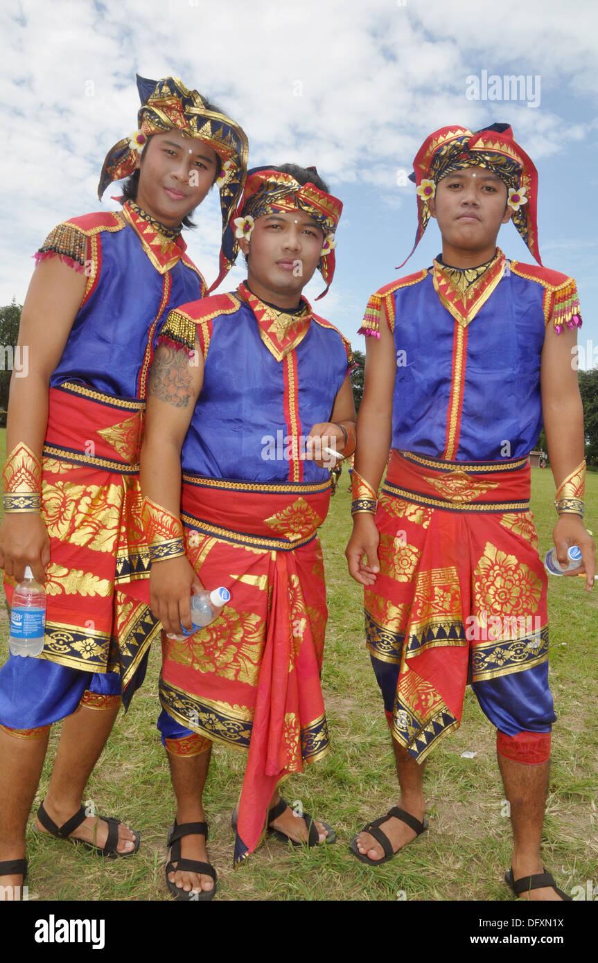 Одежда Бали