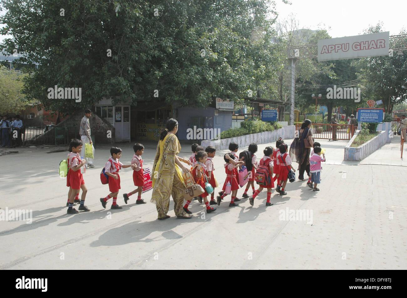 Delhi india school children visit the appu ghar amusement park delhi india school children visit the appu ghar amusement park thecheapjerseys Images