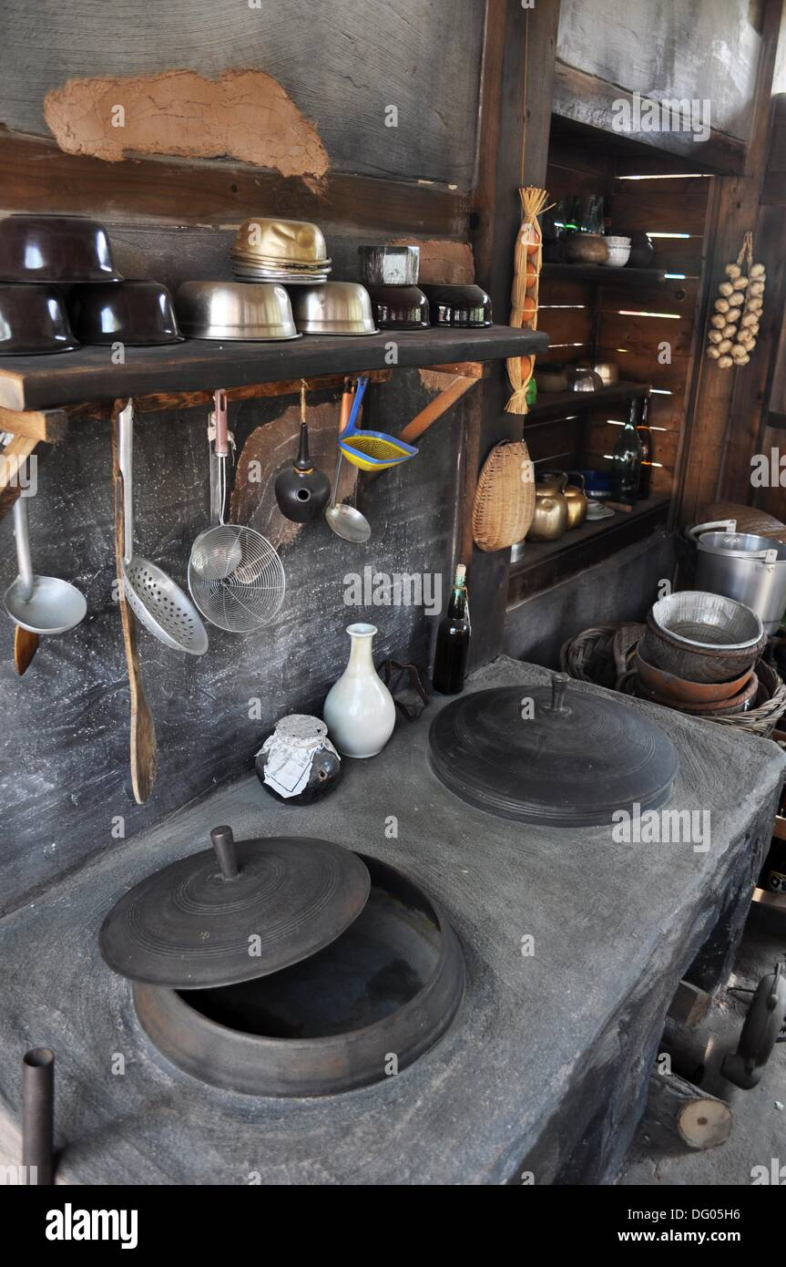 Seoul south korea reconstruction of a seventies style for Traditional korean kitchen