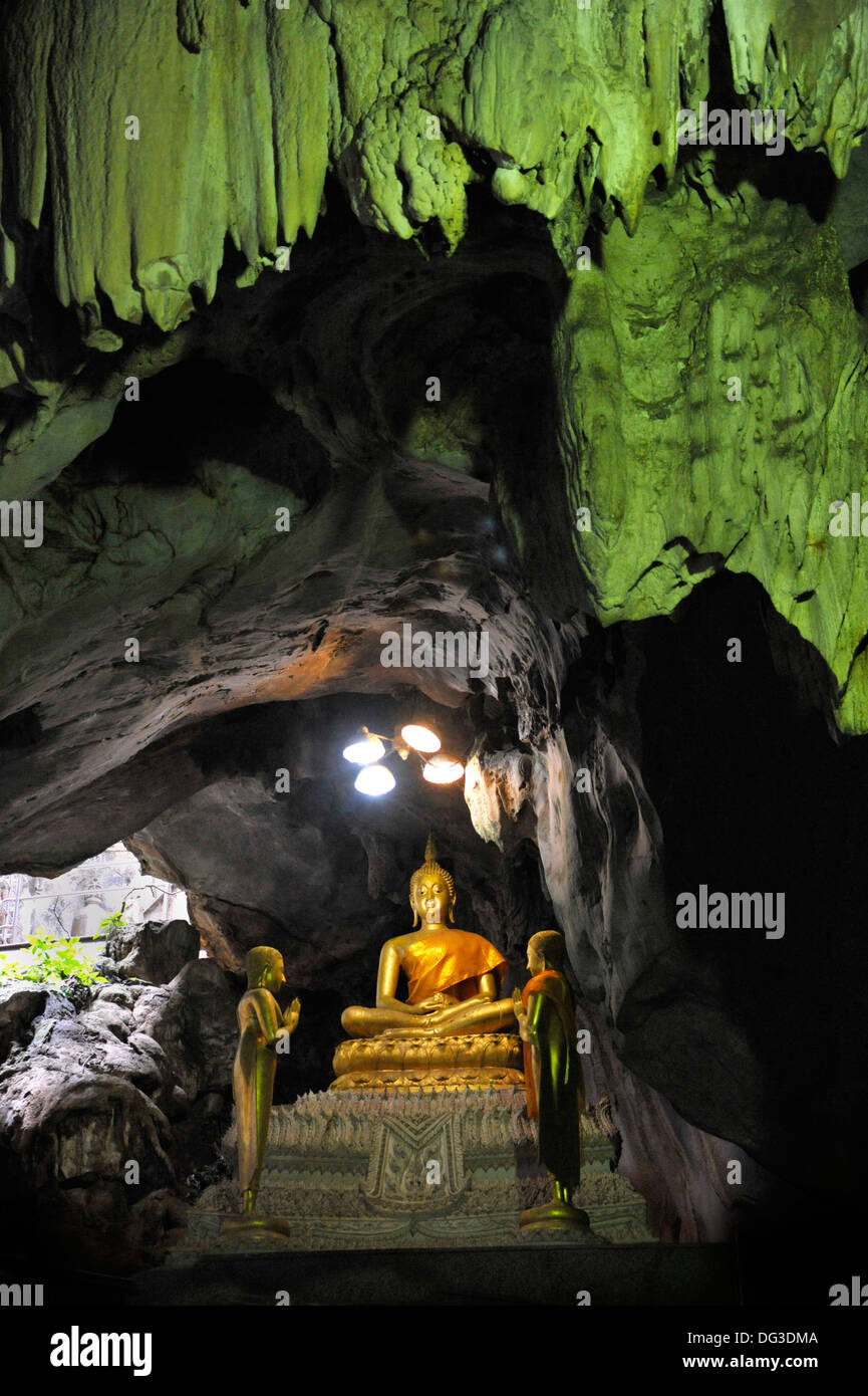 Buddha figures in the cave temple Wat Khao Yoi in Petchaburi ...