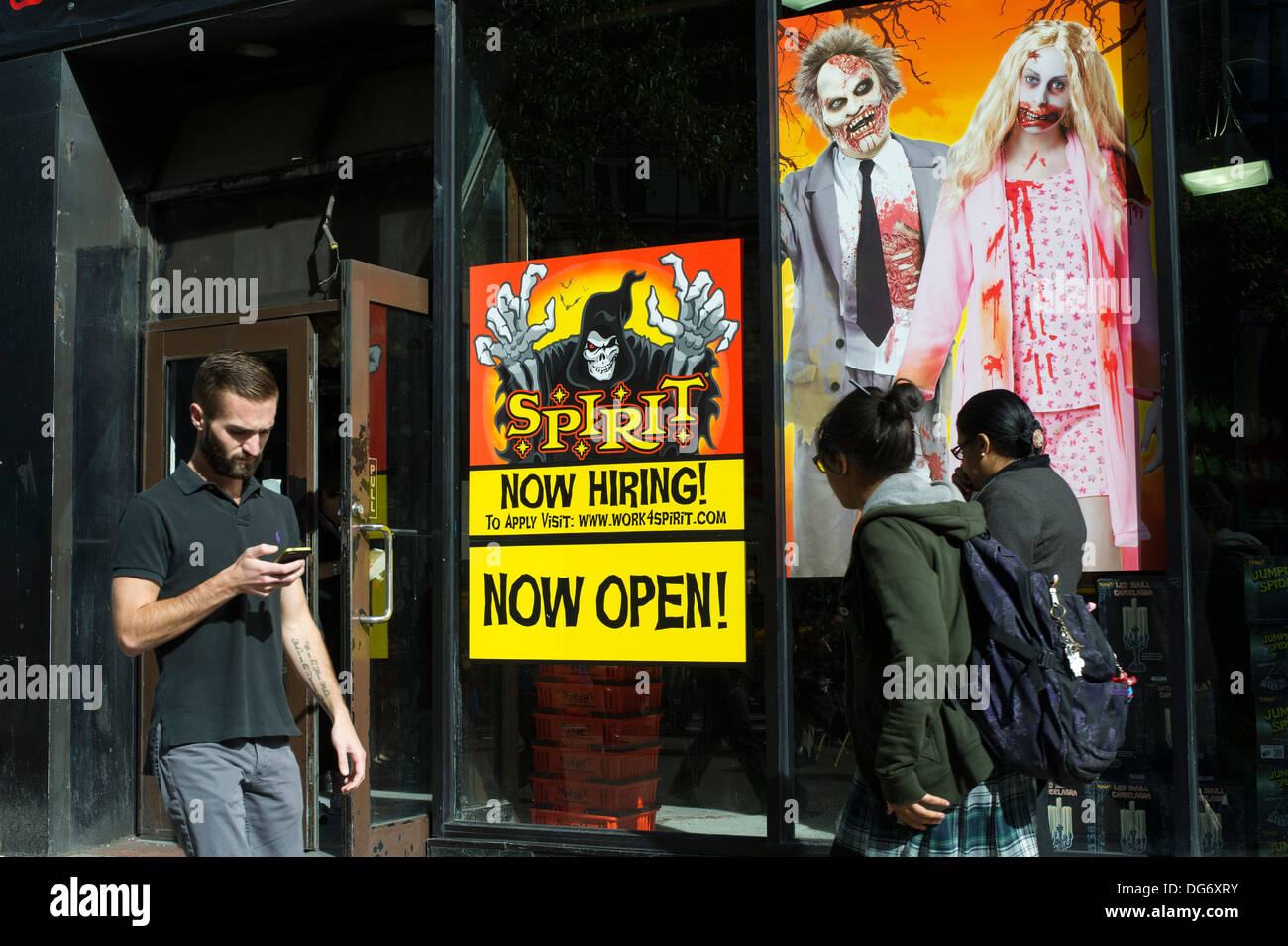 a spirit halloween pop up store in midtown in new york stock photo a spirit halloween pop up store in midtown in new york stock photo - Spirit Halloween Vancouver