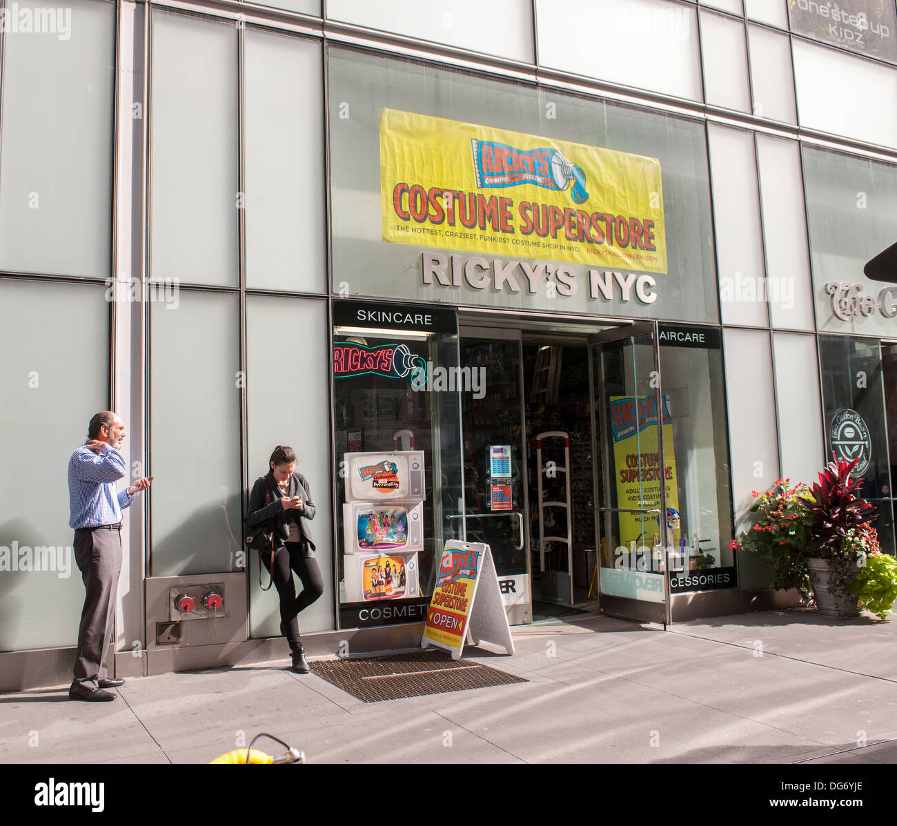 A Ricky's Costume Superstore Halloween pop-up store in midtown in ...