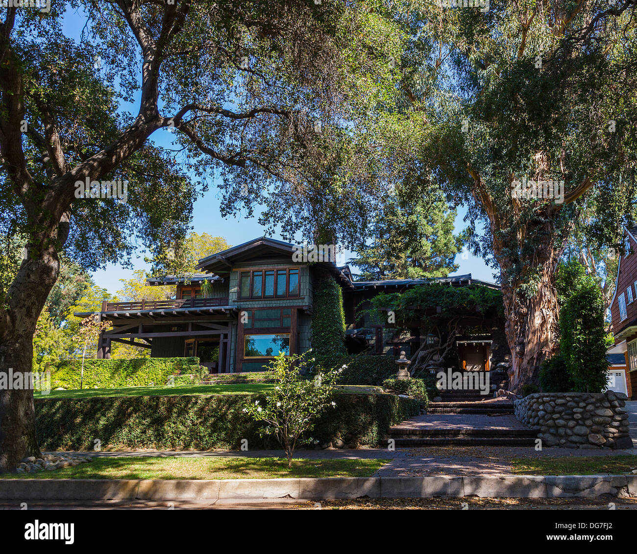 The Duncan Irwin House 1908 On Grand Avenue In Pasadena California A Green And Bungalow Style Arts Crafts Home