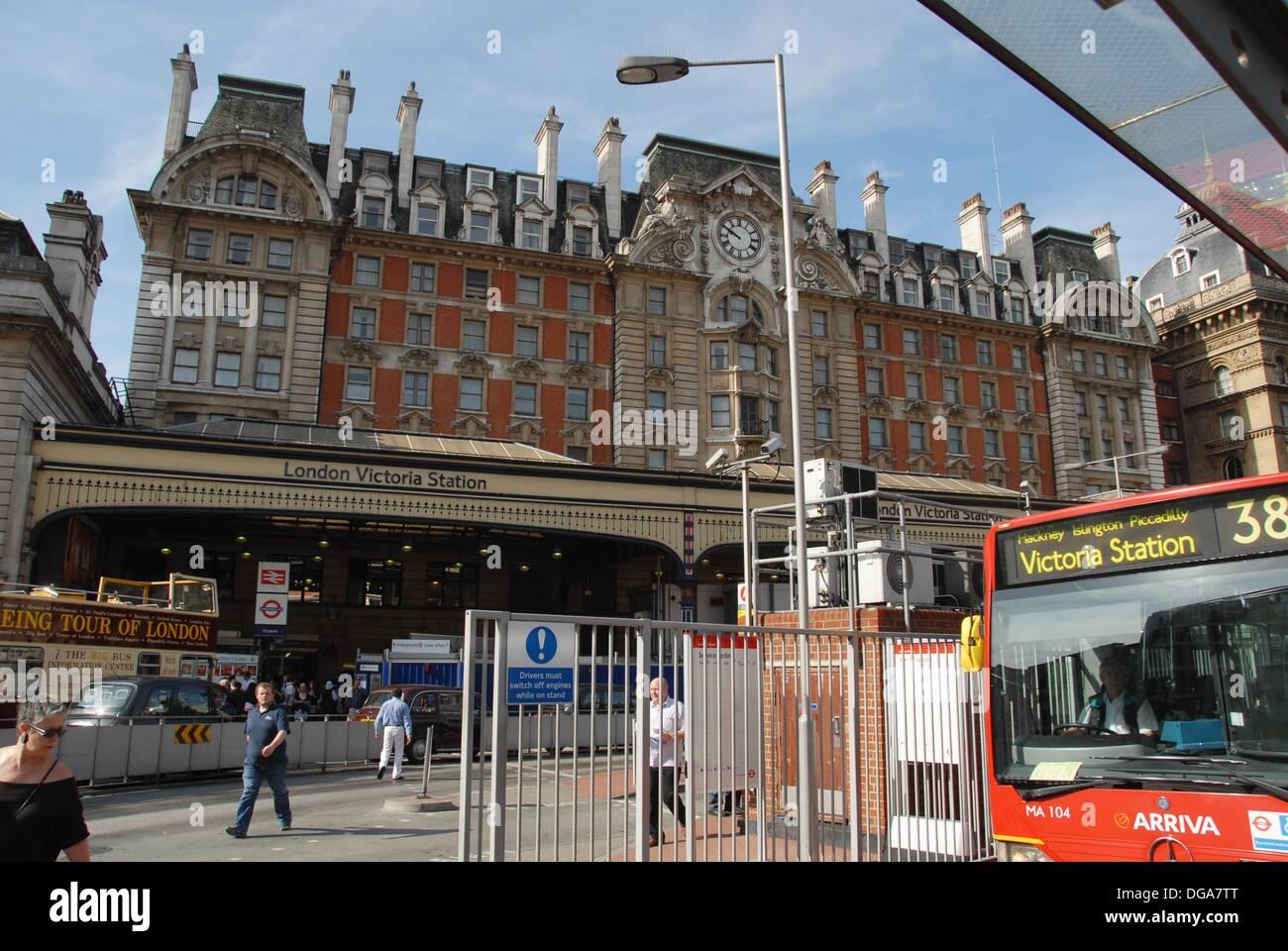 victoria station and grosvenor hotel pimlico. Black Bedroom Furniture Sets. Home Design Ideas
