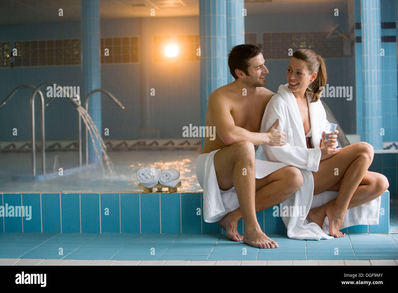 Therapeutic seawater pool (33ºC) with hydrojet, underwater massage ...