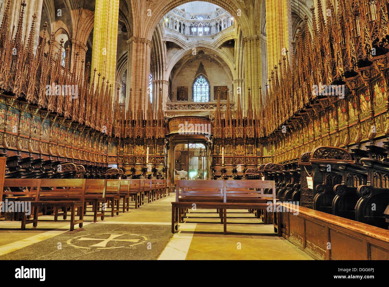Interior la catedral de la santa creu i santa eulalia for Catedral de barcelona interior
