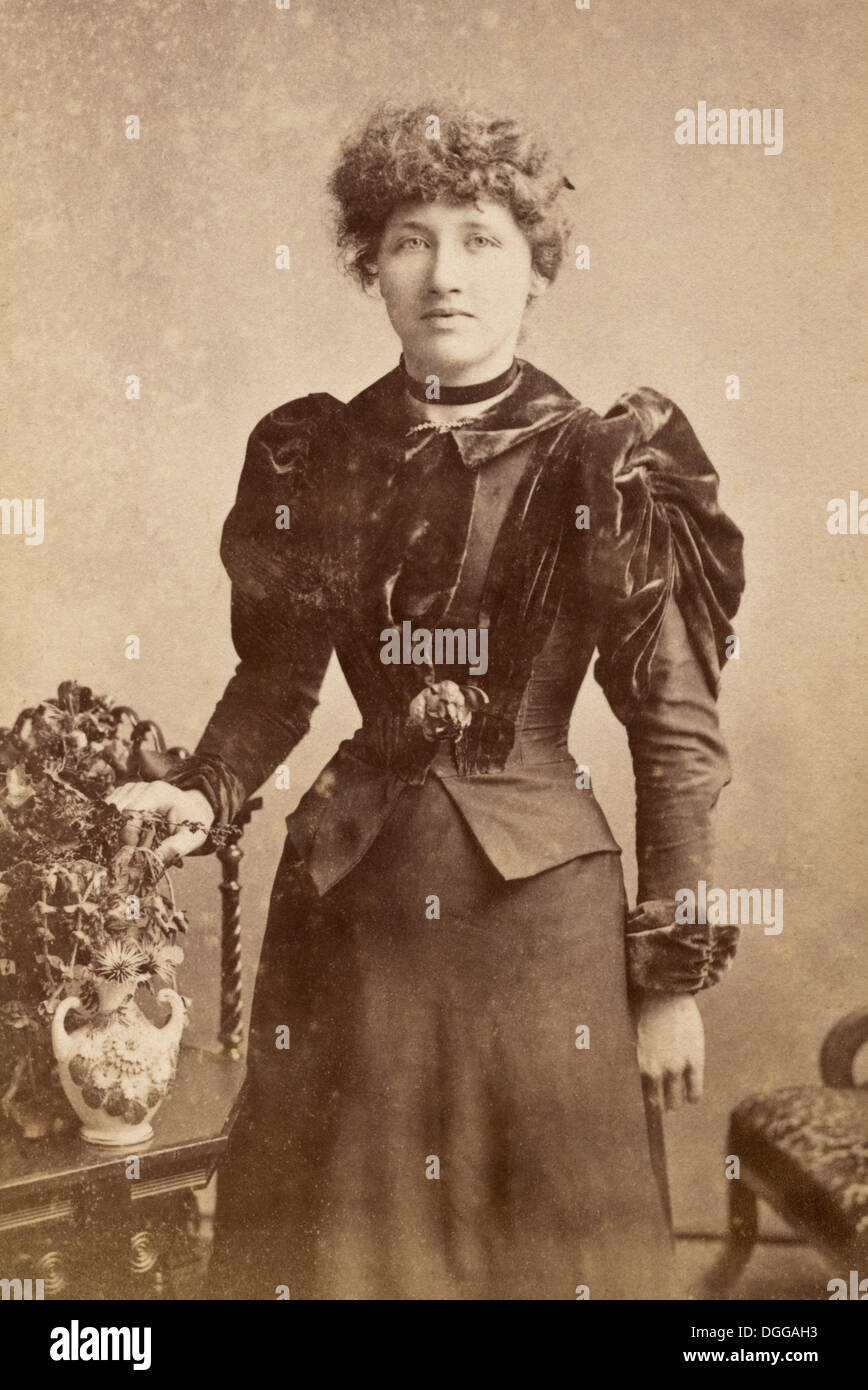 women in the victorian era The victorian era was possibly one of the periods which saw the most numerous and dramatic changes in society coinciding with the industrial.