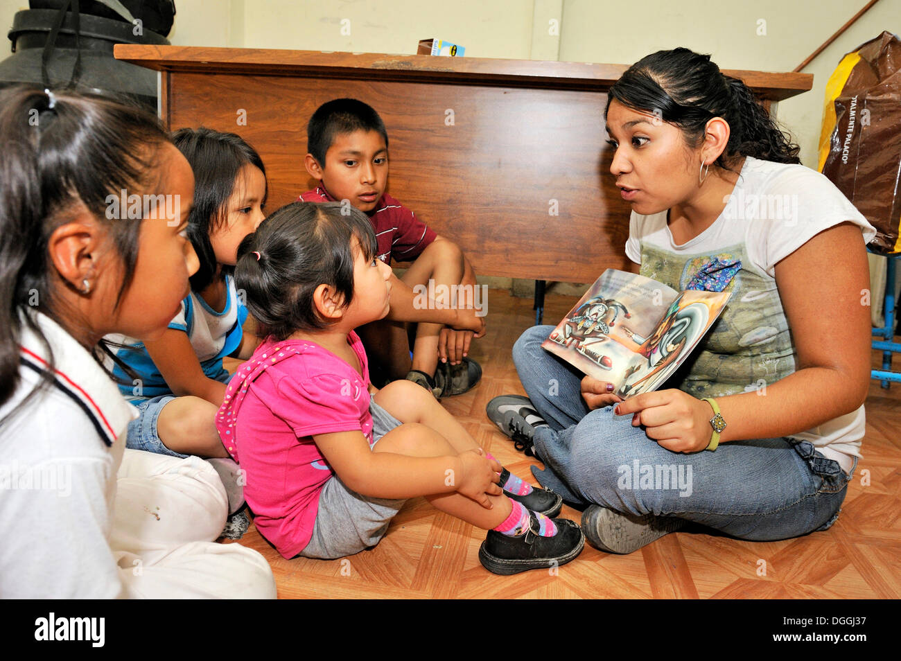 child care worker of the mexican non governmental organization