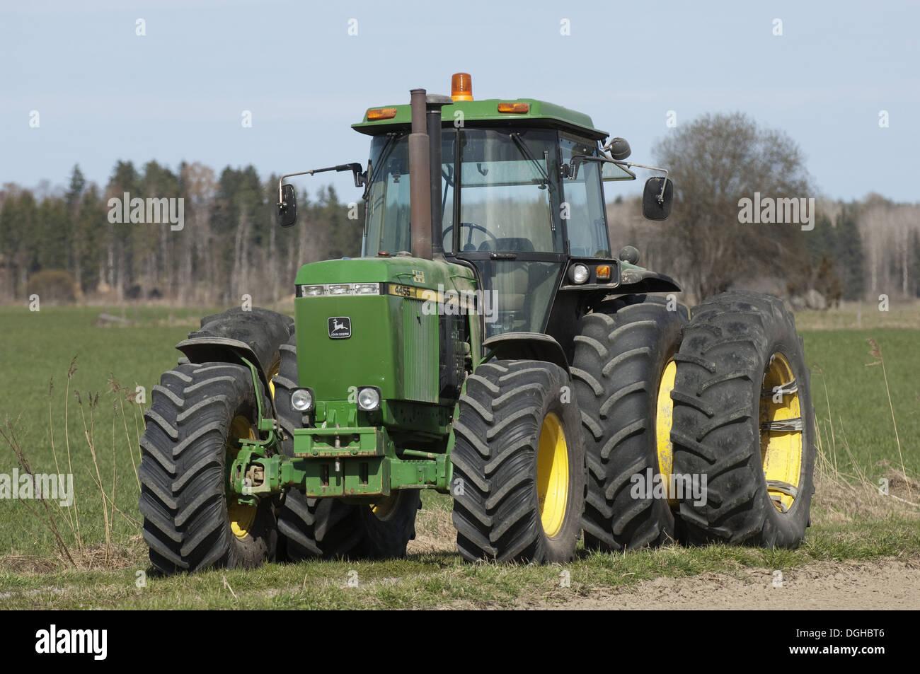 John Deere Dual Wheels : John deere tractor with dual wheels sweden may