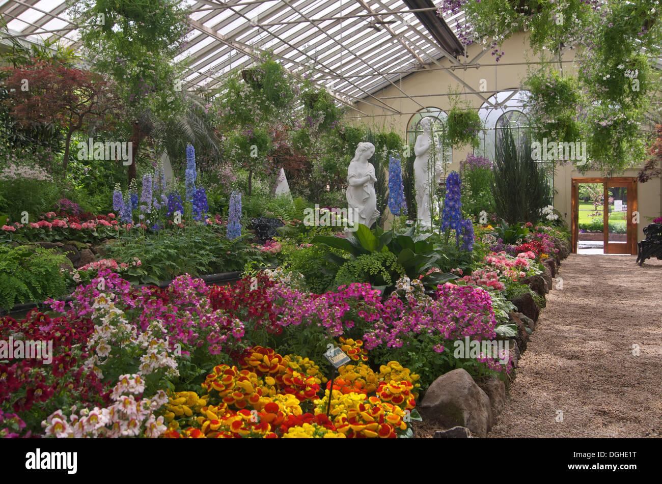 Melbourne botanic gardens stock photo image 64781570 for Landscape contractors melbourne