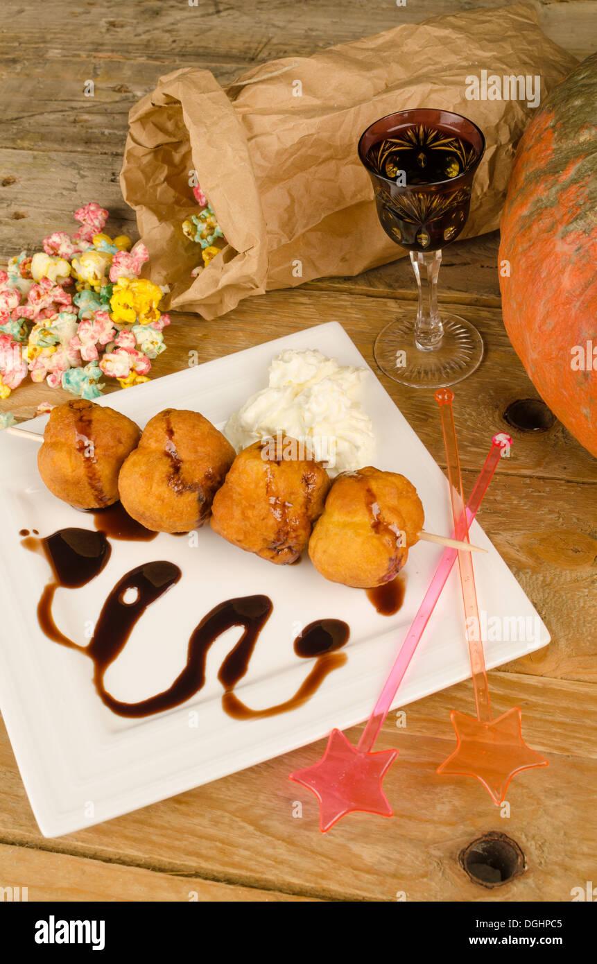 Bunuelos de viento, a traditional Spanish treat for the Halloween ...