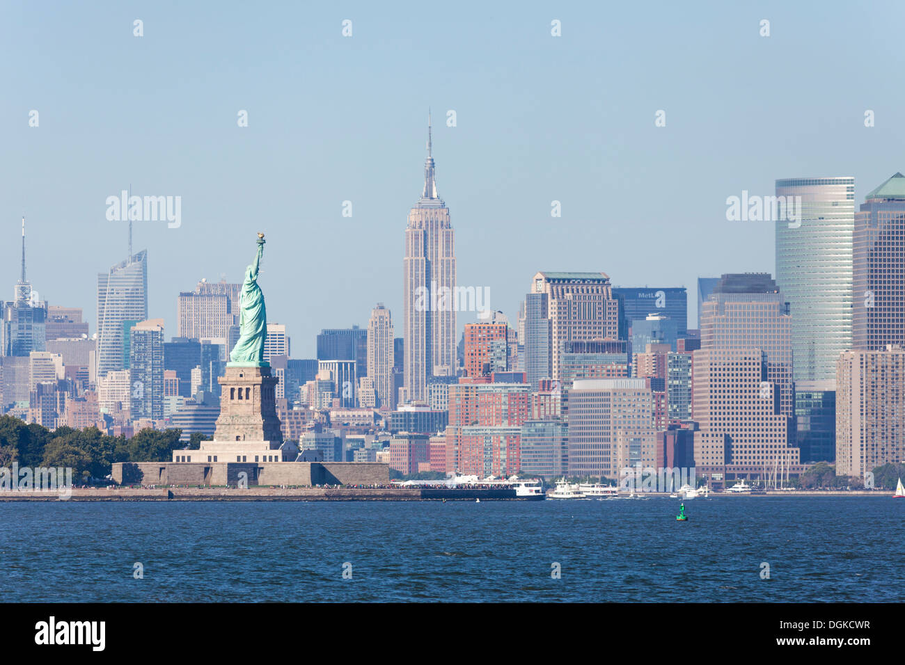 a skyline view of the statue of liberty the empire state. Black Bedroom Furniture Sets. Home Design Ideas