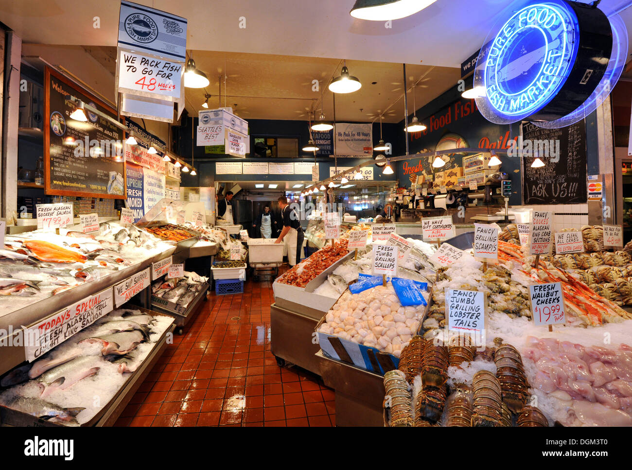 Fishmonger fresh seafood fish and crabs on ice pike for Pike s fish market