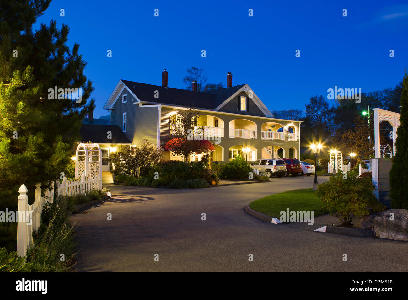 Bar harbor manor luxury hotel in bar harbor maine new for Modern luxury hotels uk