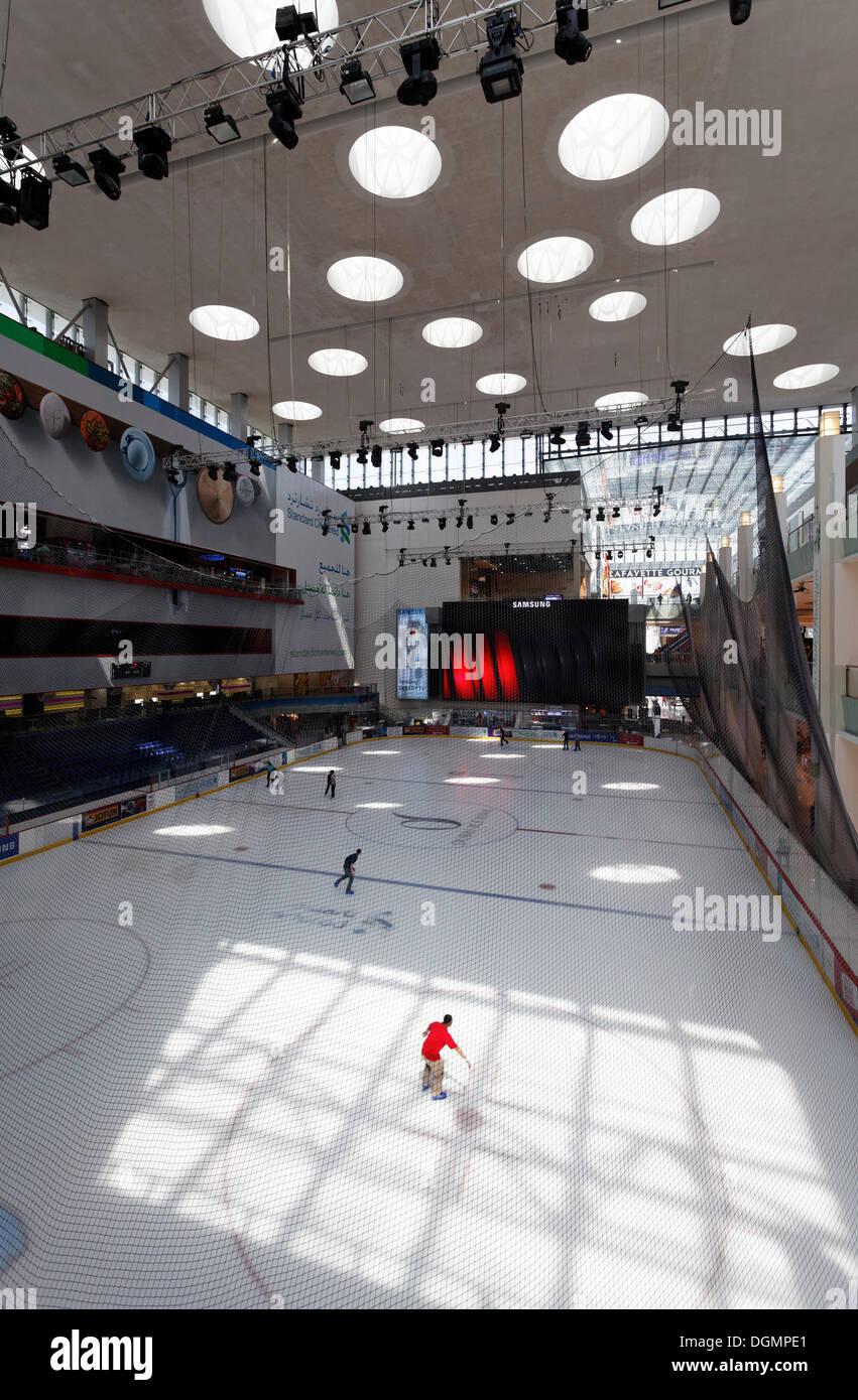 Roller skating rink jakarta - Dubai Ice Rink An Ice Skating Rink In Dubai Mall United Arab Emirates