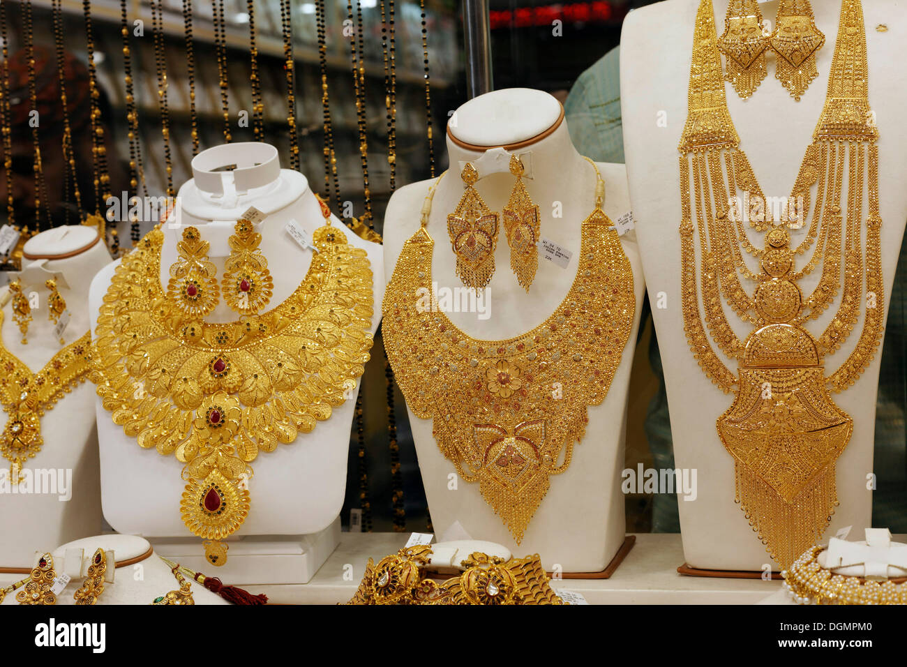 lush gold necklaces indian style based upon ancient