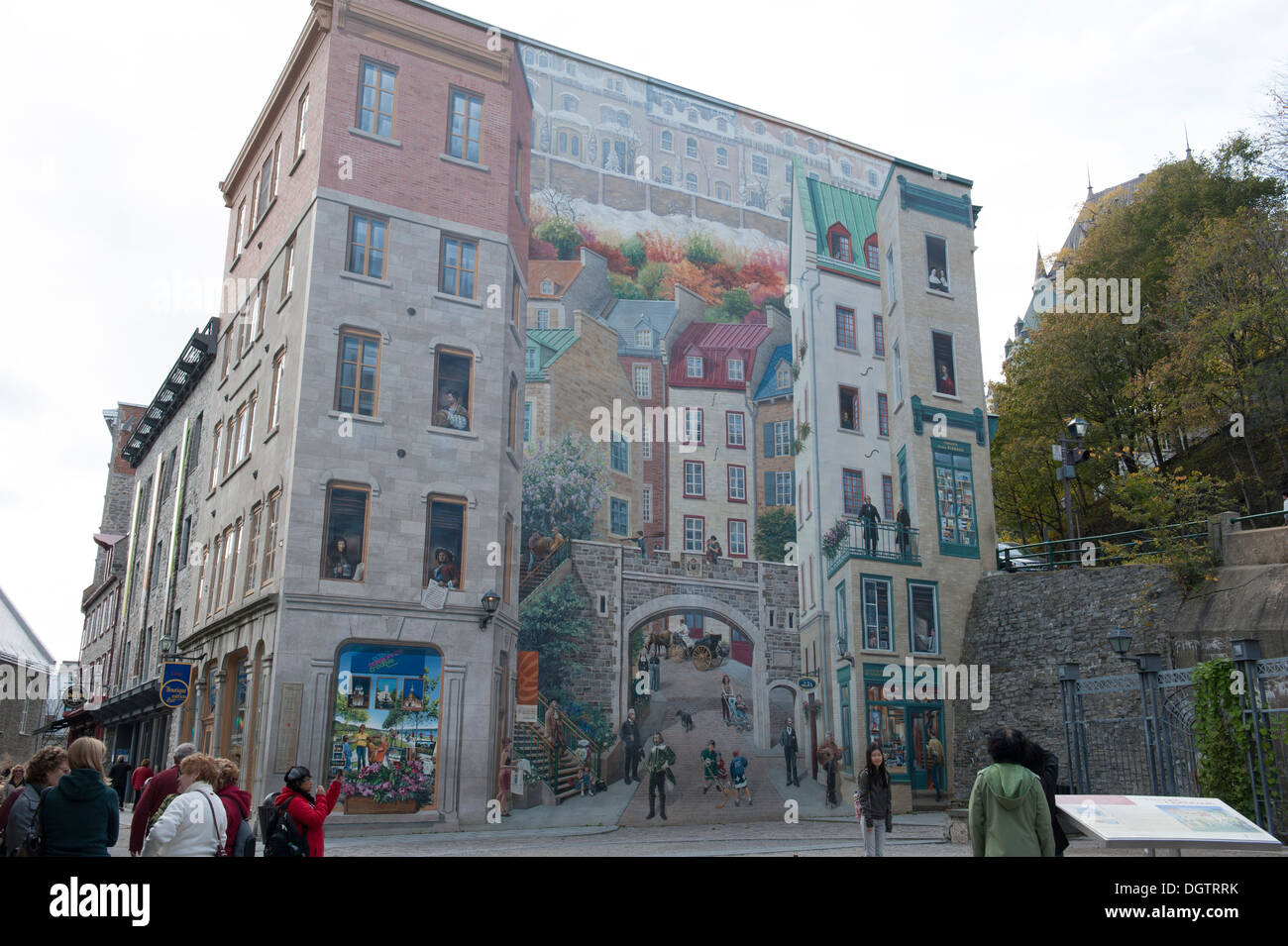 The mural of quebeckers fresque des qu b cois on the for Mural quebec city