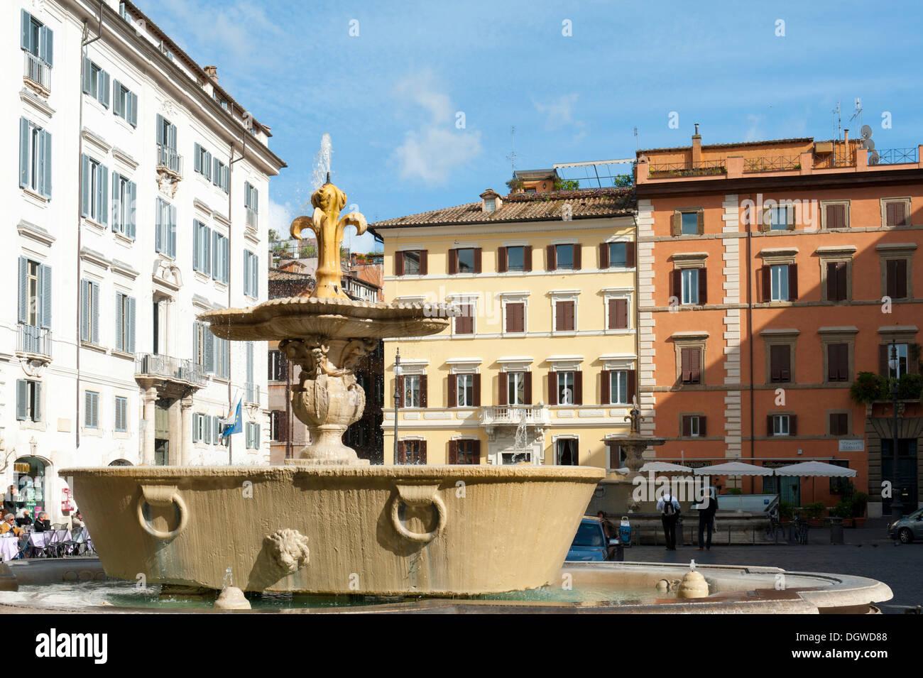 baroque architecture, historical city centre, fountain in piazza
