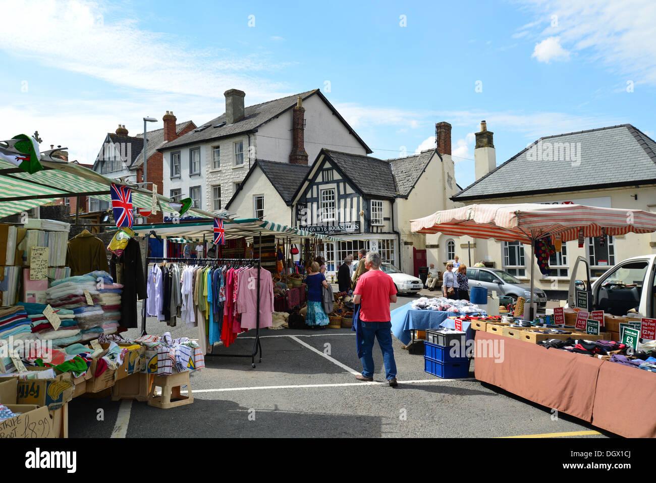 Hay-on-Wye United Kingdom  city photo : Outdoor Market In Town Square, Hay on wye y Gelli Gandryll , Powys ...