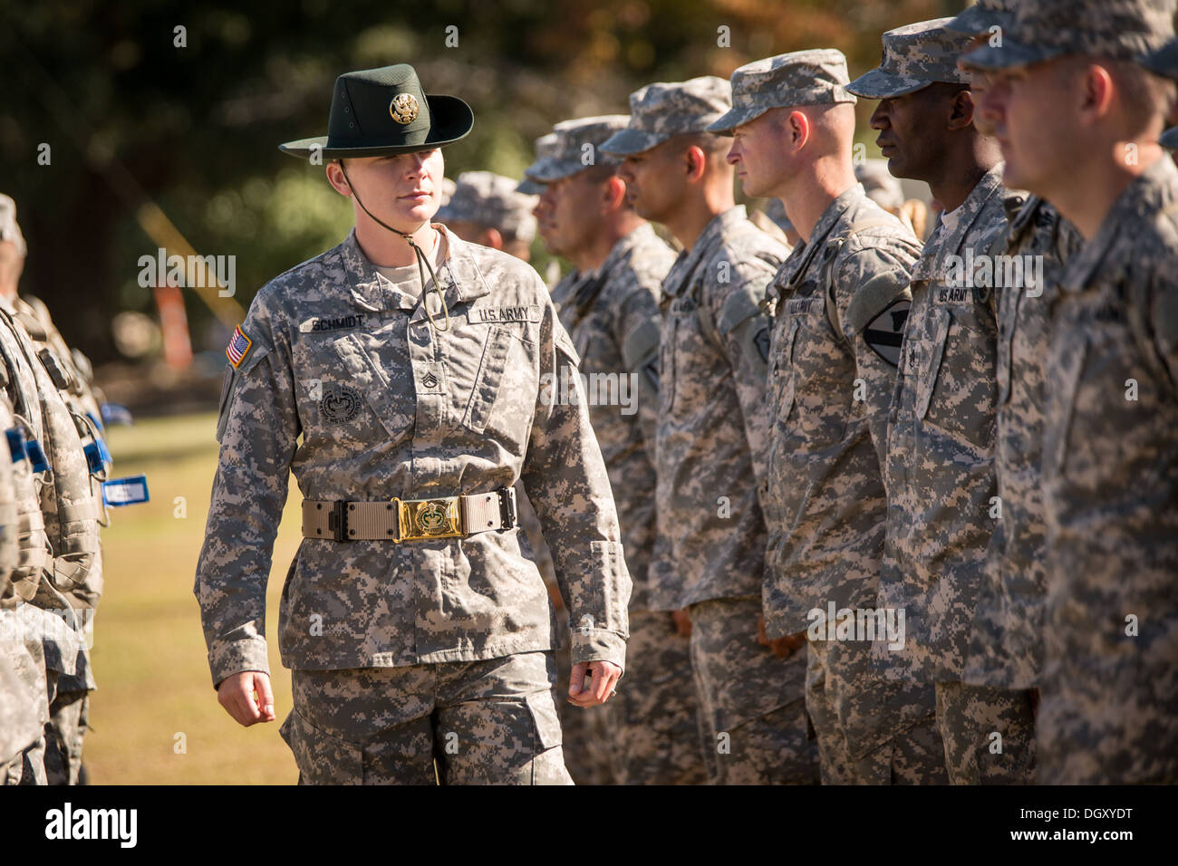 A female Drill Sergeant instructor observes candidates at the US Army Stock Photo ...