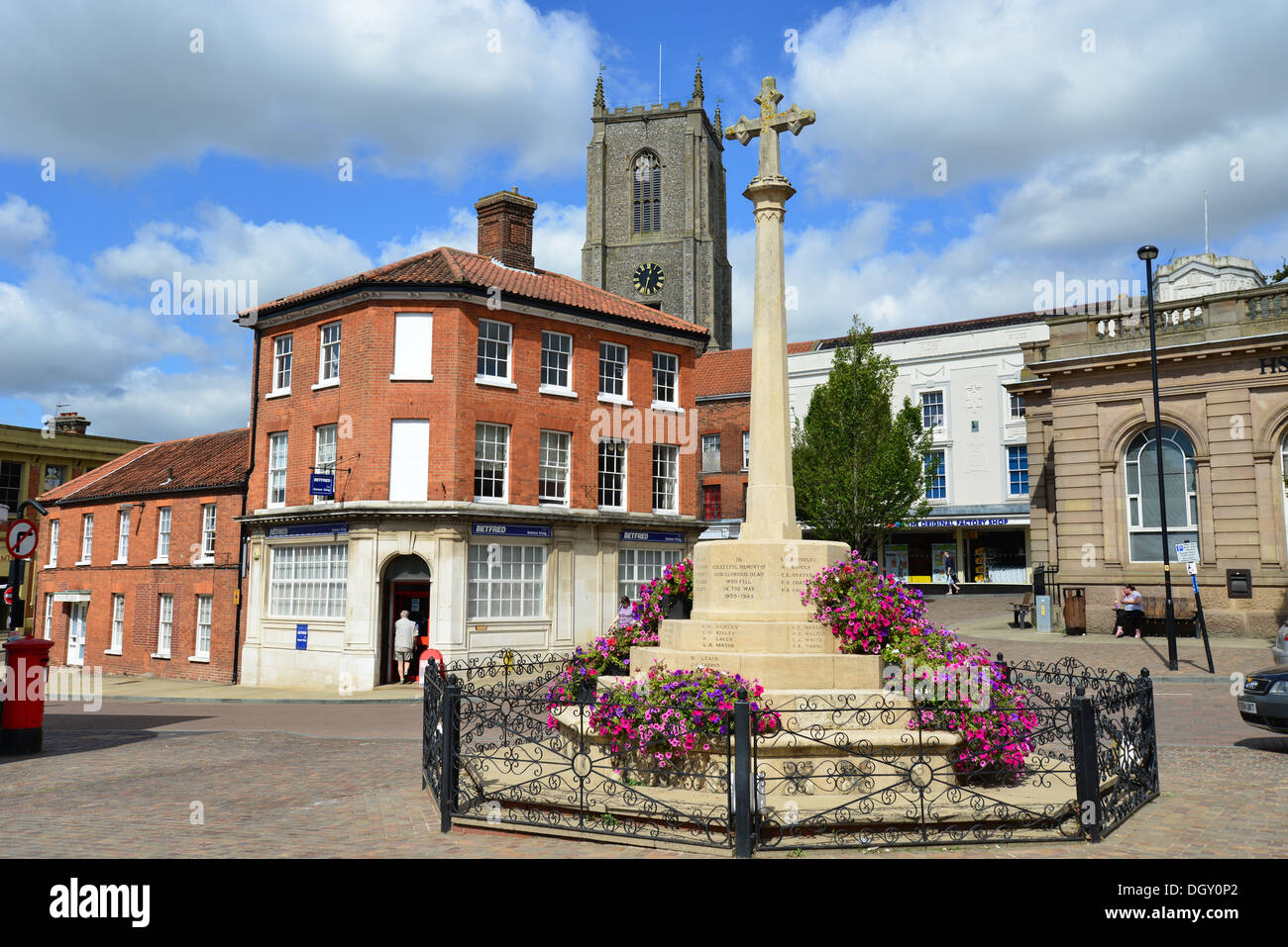 Fakenham United Kingdom  city photos gallery : ... memorial in Market Place, Fakenham, Norfolk, England, United Kingdom