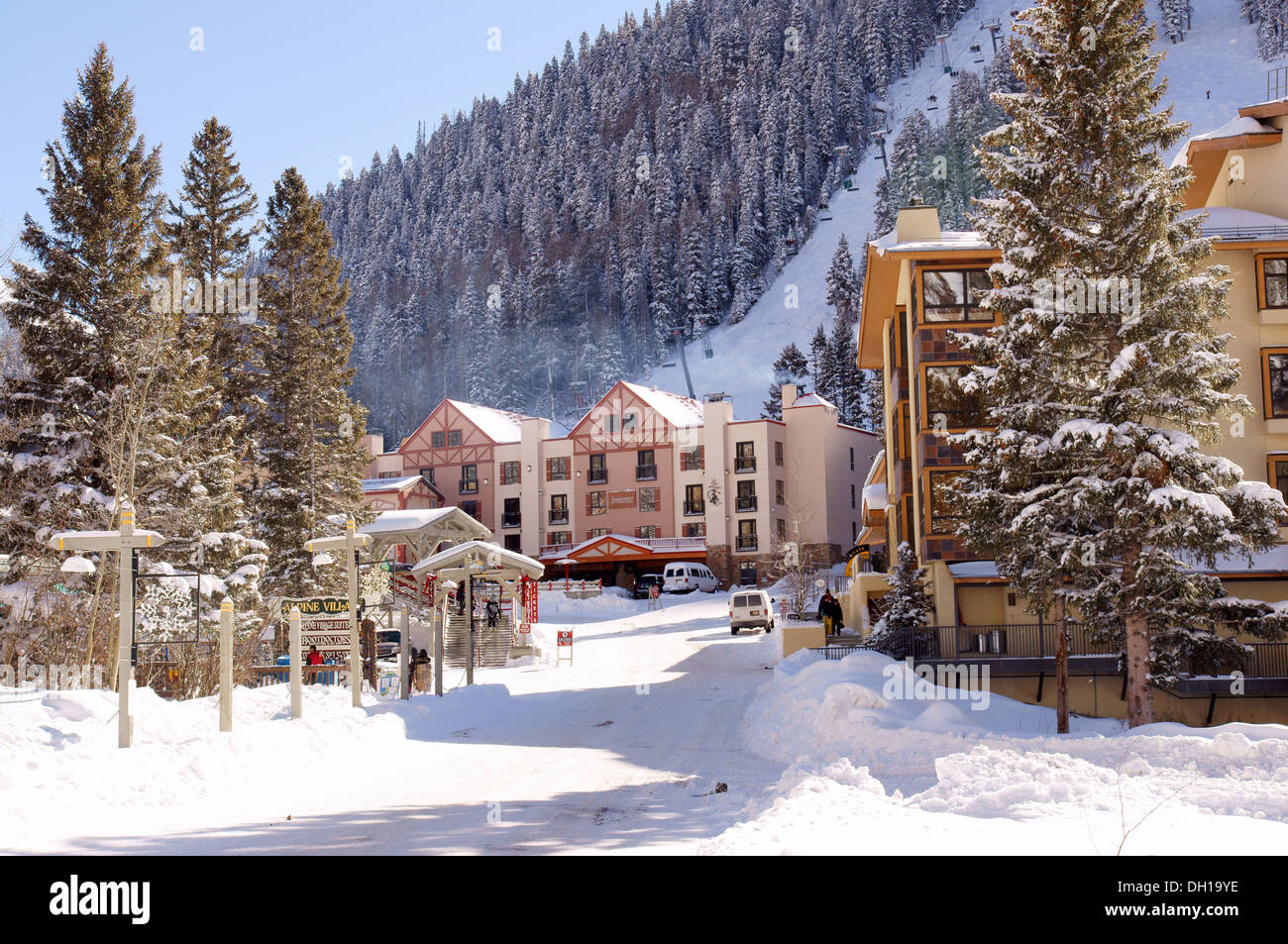 Taos ski valley resort alpine village lodge new mexico nm for The alpine lodge