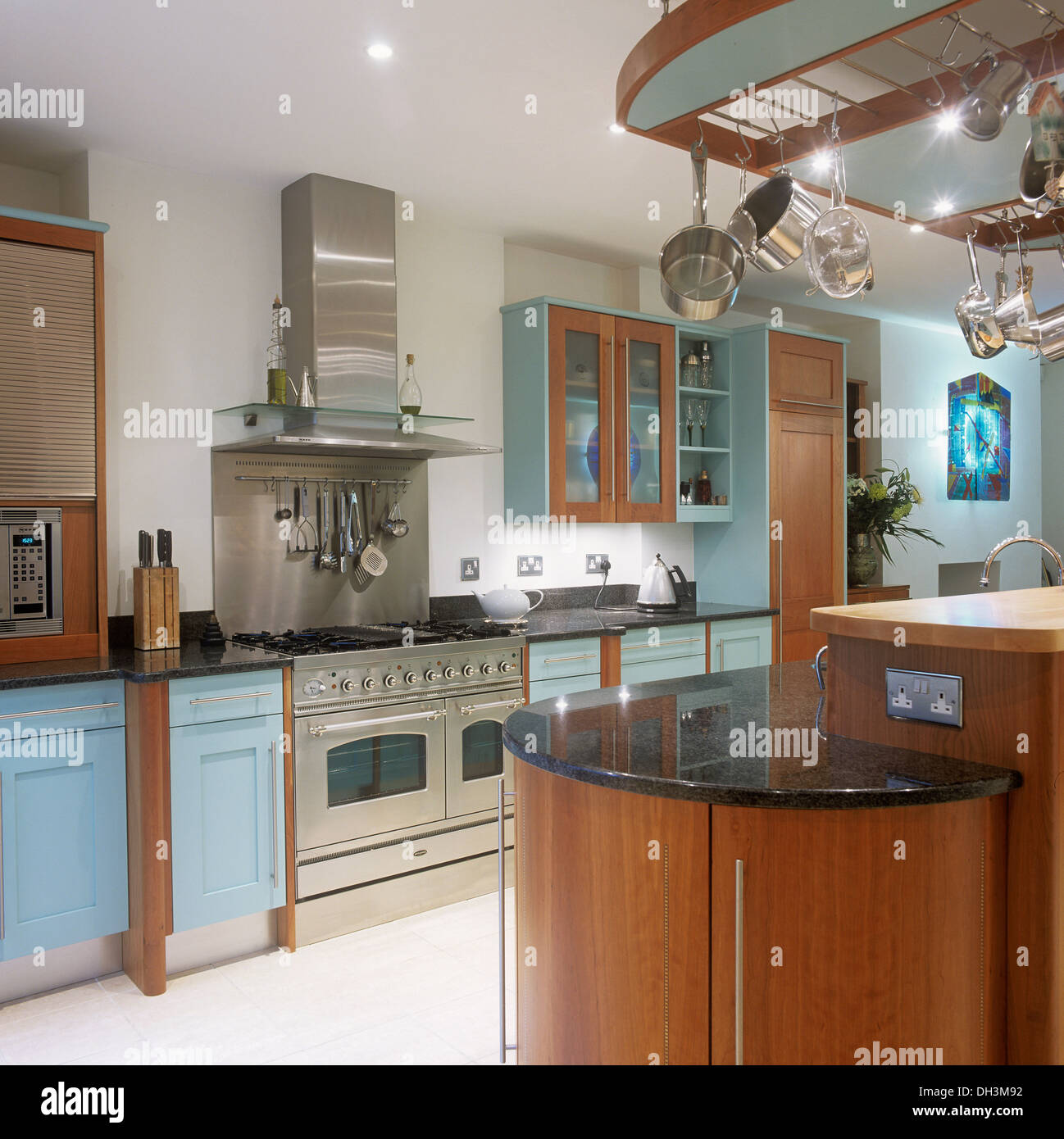 Stainless Steel Extractor And Splash Back Above Steel