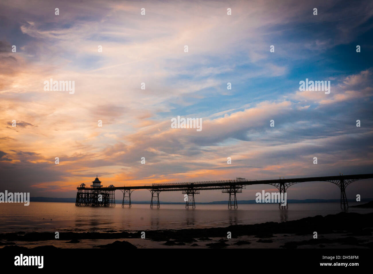 clevedon-pier-at-sunset-the-pier-was-des