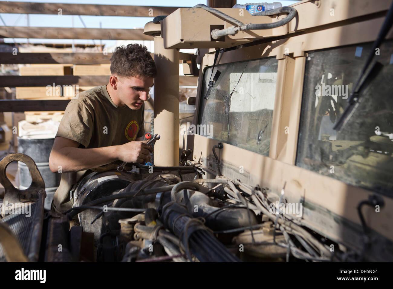 U S Marine Corps Lance Cpl Alex Thomason A Motor