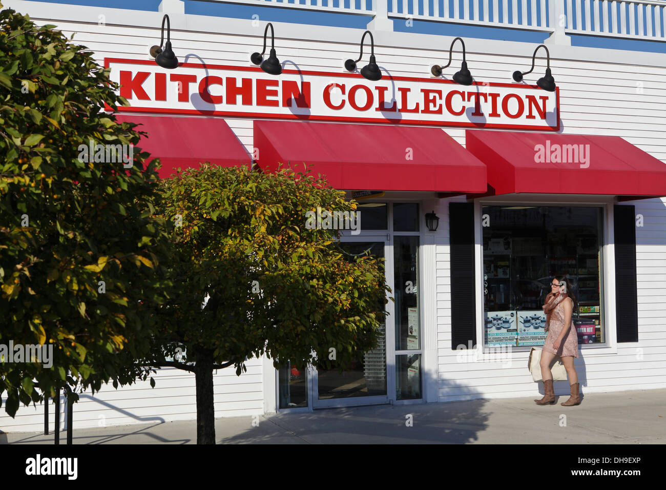 Kitchen Collection Store A Kitchen Collection Store Is Pictured At Lee Premium Outlets In