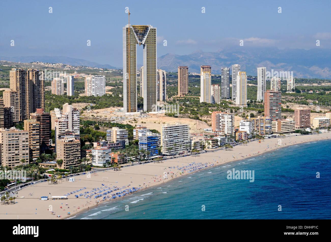 Playa de Poniente beach with the Intempo skyscraper or Benidorm Stock Photo, ...