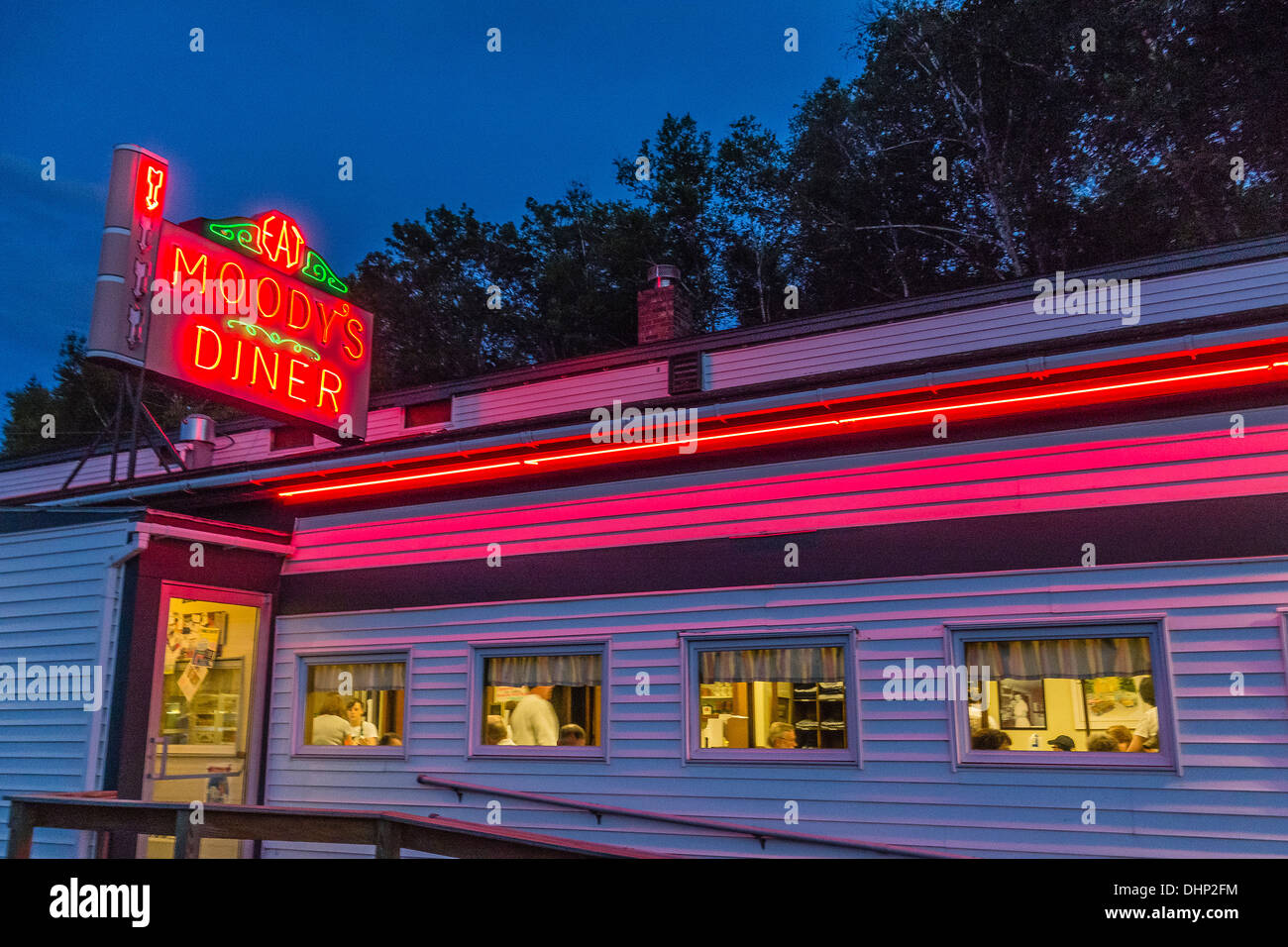 Neon sign at night for classic american diner moody 39 s for American classic diner