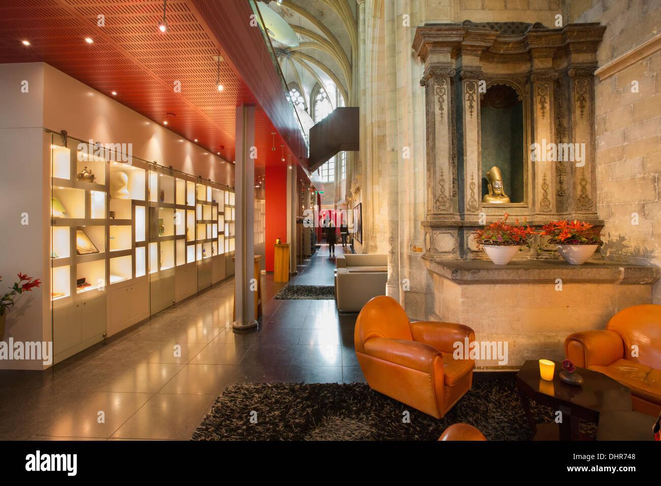 Netherlands maastricht kruisheren design hotel in former for Designhotel maastricht
