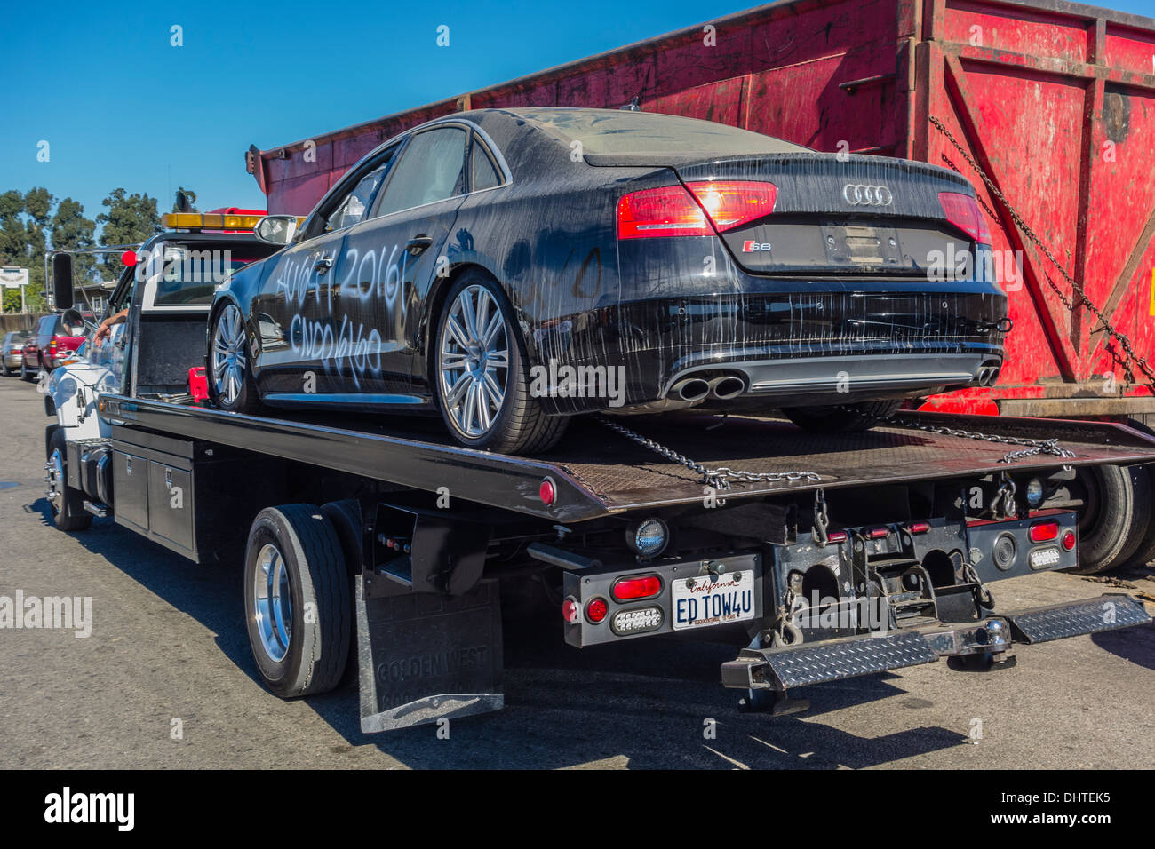 Wrecking Truck Stock Photos & Wrecking Truck Stock Images - Alamy