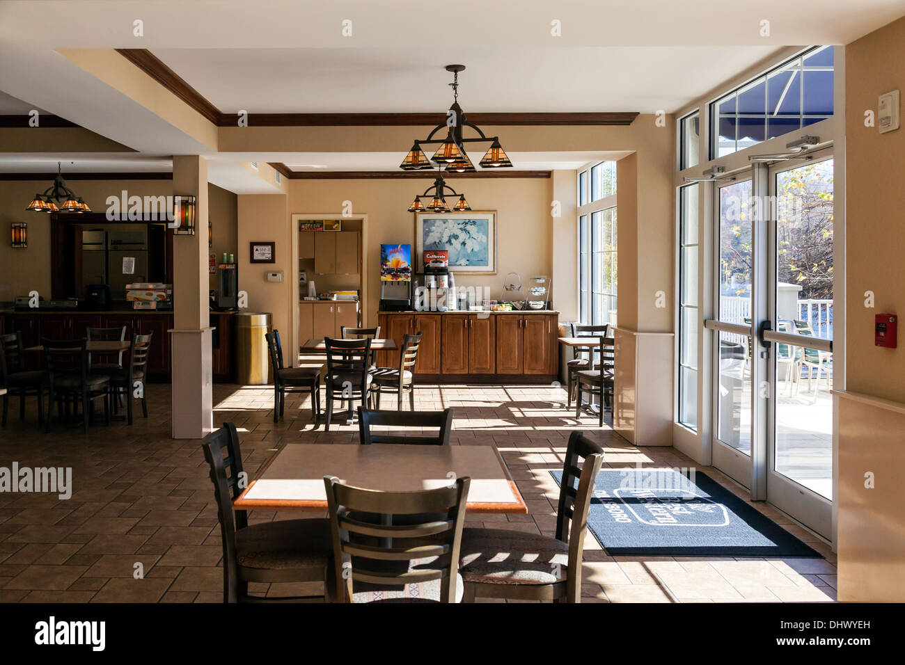 Breakfast Bar Dining Room In Best Western Plus River Escape Inn And Suites On Bank Of