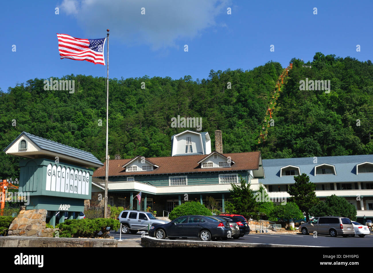 Le conte view motor lodge cool bear pen gap resort with for Motor lodge gatlinburg tn