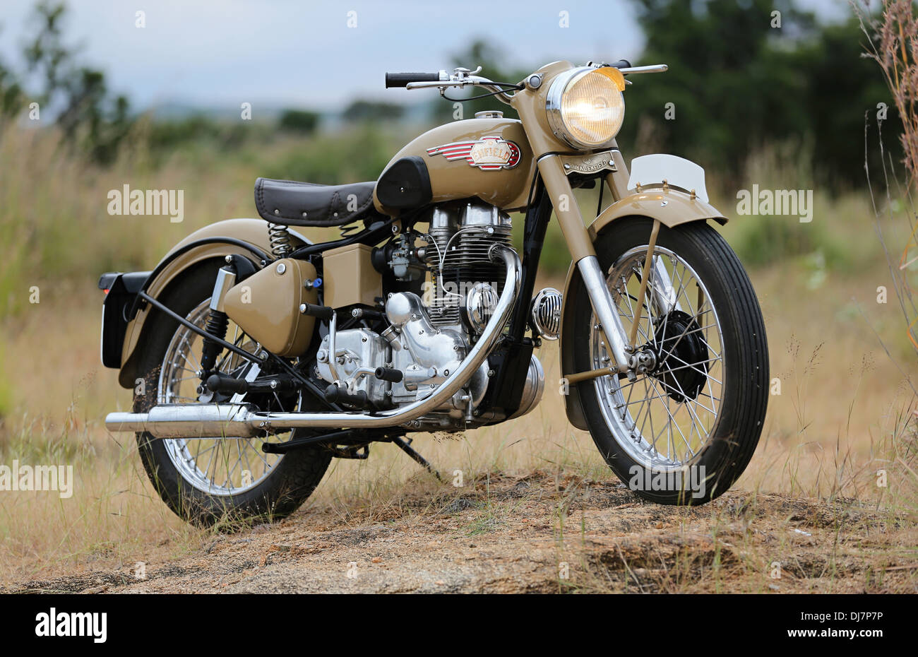 Royal enfield bullet pictures -  Royal Enfield Bullet Vintage 1966 G2 Engine India Stock Photo