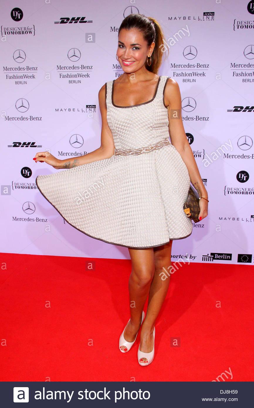 Jana ina zarrella at mercedes benz fashion week berlin for Mercedes benz clothes
