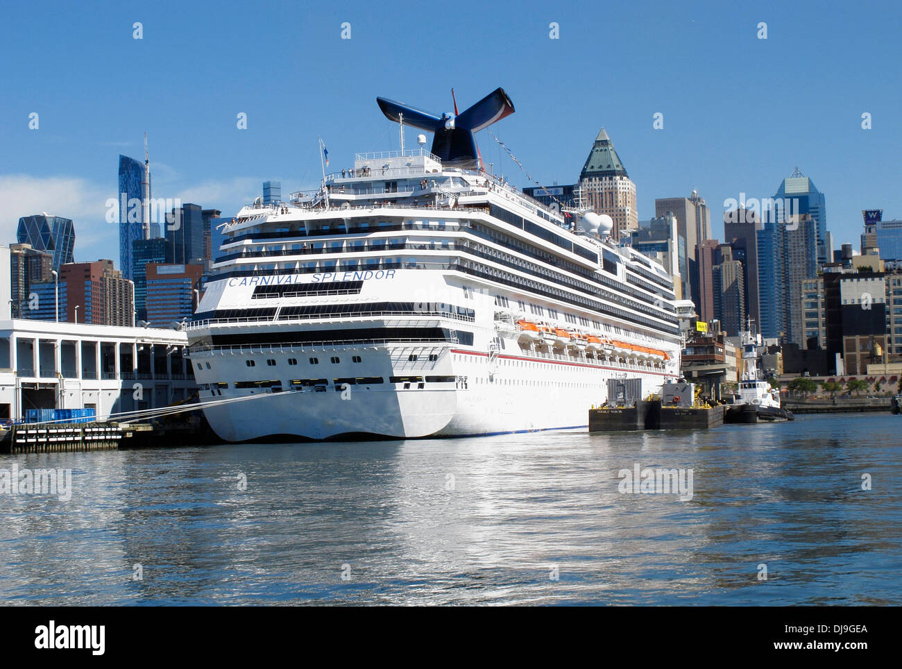 Carnival Splendor Cruise Ship At Anchor In The Harbour Of New York - Pictures of carnival splendor cruise ship