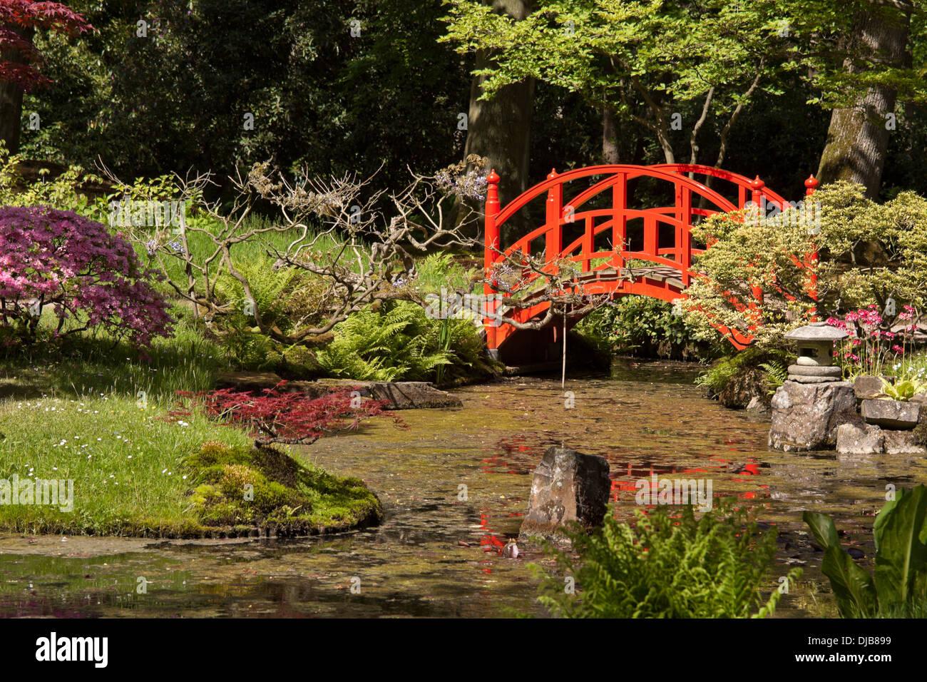 red bridge in the japanese garden at park clingendael den haag the hague