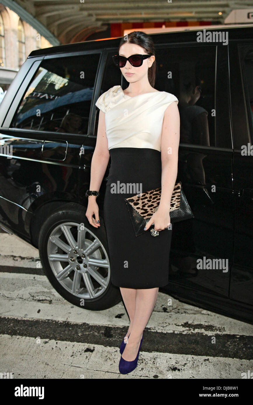 Michelle trachtenberg mercedes benz new york fashion week for Mercedes benz new york fashion week