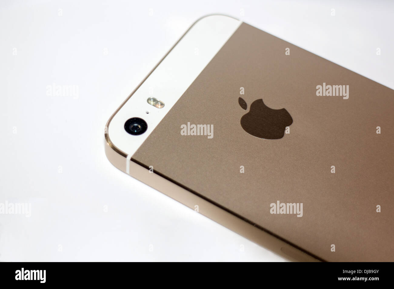 iPhone 6 said to feature 8MP camera again with improved image ...
