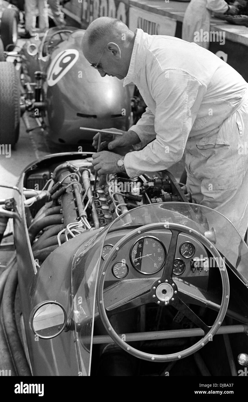 Mechanic Working On Classic Vintage Stock Photos & Mechanic ...