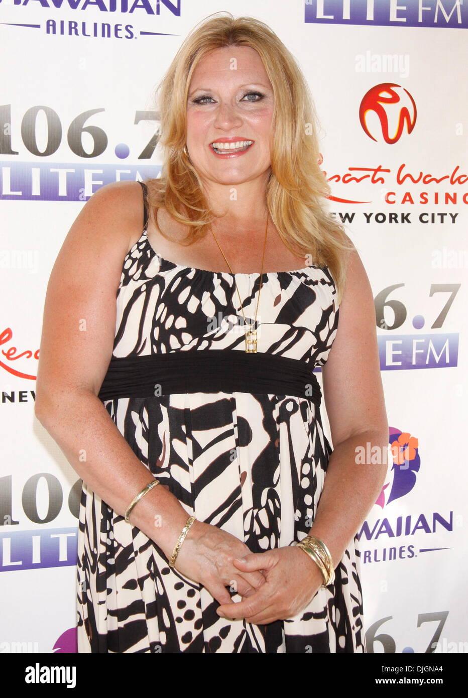 Remarkable Radio Personality Delilah Rene Luke 106 7 Lite Fm39S Broadway In Easy Diy Christmas Decorations Tissureus