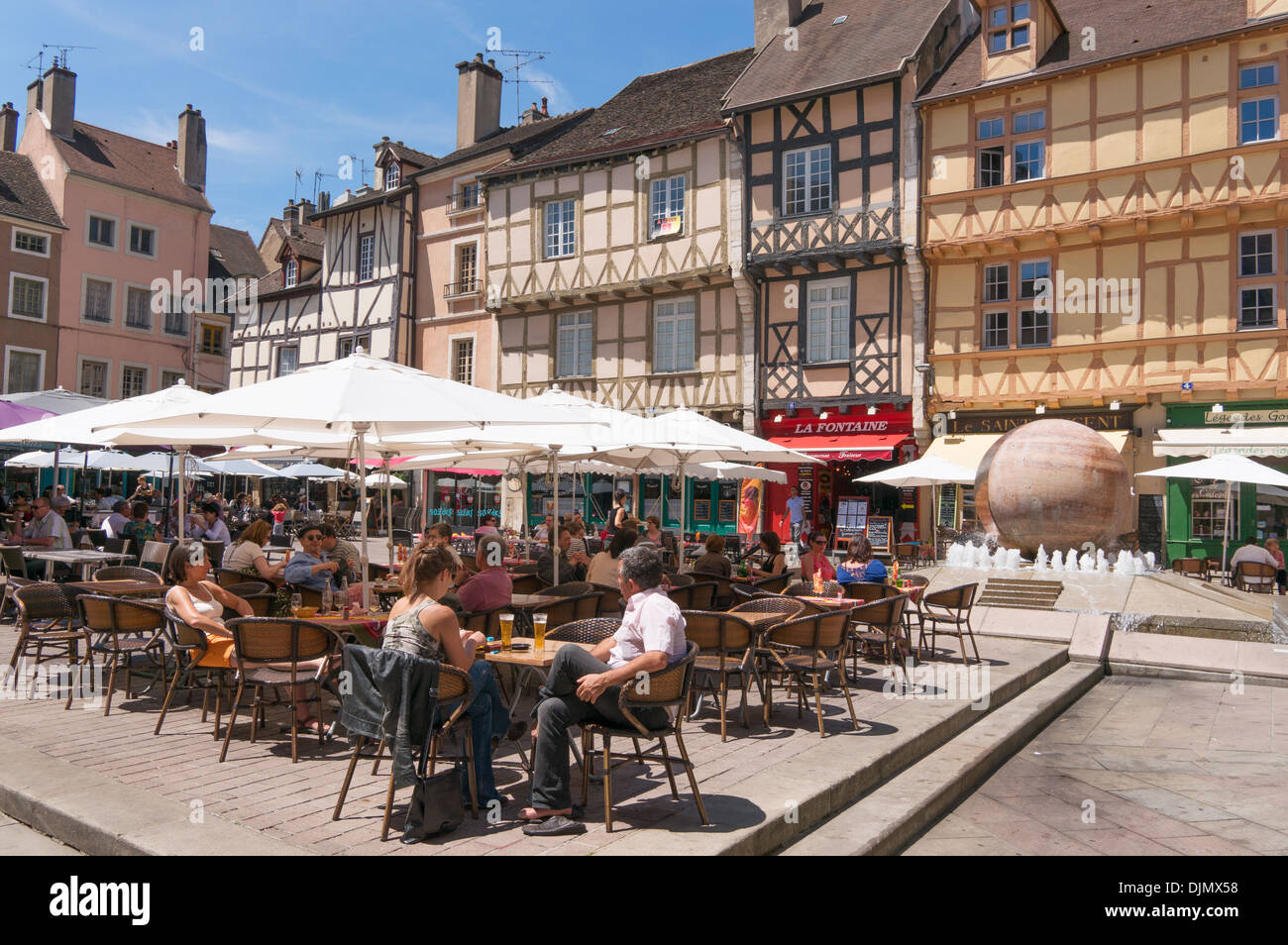 people eating at outdoor restaurants place st vincent chalon sur stock photo royalty free image. Black Bedroom Furniture Sets. Home Design Ideas